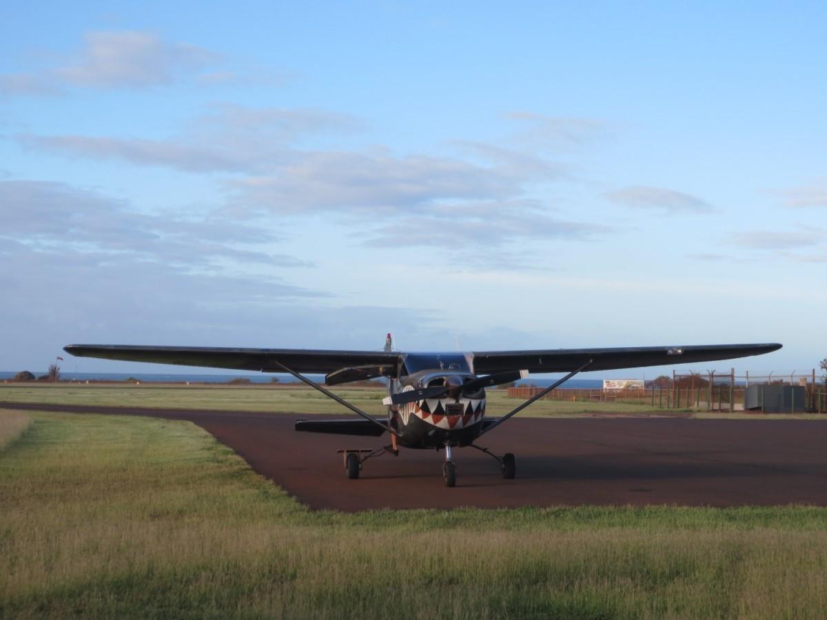 Skydive Kauai plane