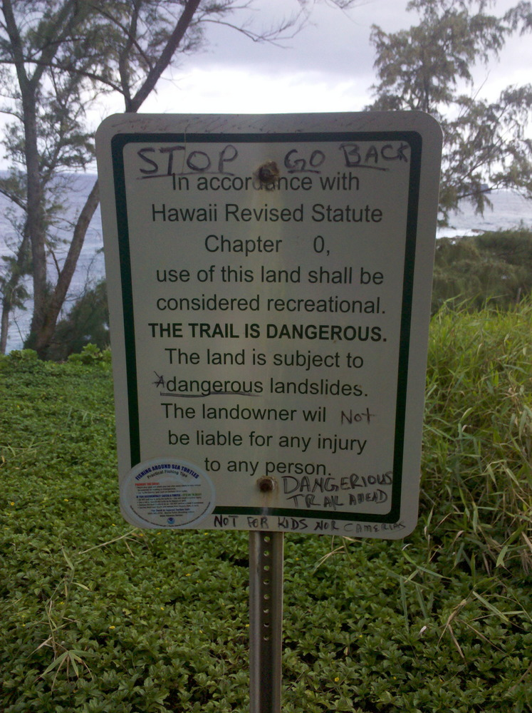 Kaihalulu Trail Sign